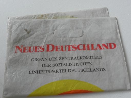 Tüte Neues Deutschland