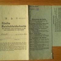 nicht reich an Kleidern im Reich - die Reichskleiderkarte 1944/1945